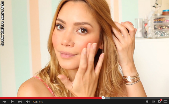 Socialization of girls and beauty videos on YouTube